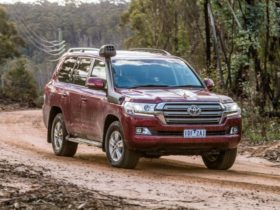 2021-toyota-landcruiser-200-series-prices-surge-beyond-$150,000-as-supply-dries-up