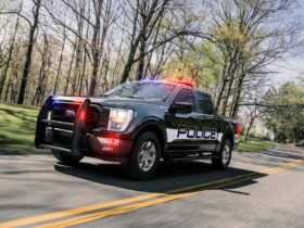 2021-ford-f-150-police-responder-pickup-truck-gets-faster,-smarter,-more-capable