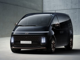 hyundai-staria-poses-the-question:-can-a-van-be-cool?