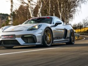 manthey-racing-turns-up-the-heat-on-the-porsche-718-cayman-gt4