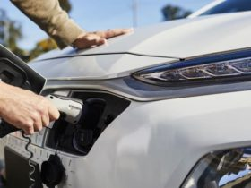 australians-support-electric-vehicle-policies,-study-finds