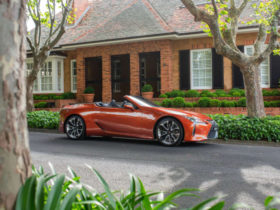 video:-eight-cool-features-of-the-2021-lexus-lc500-convertible