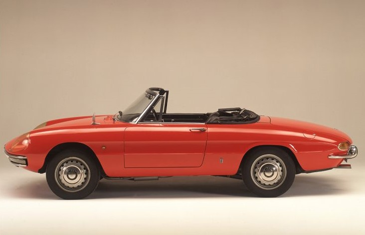 alfa-romeo-duetto-–-the-italian-spider-that-seduced-hollywood