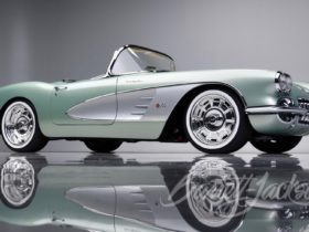 kevin-hart-paid-$825k-for-this-1959-chevrolet-corvette-convertible-restomod