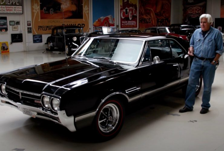 well-preserved-1966-oldsmobile-442-rumbles-into-jay-leno's-garage