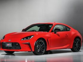 2022-toyota-86-follows-path-of-subaru-brz-with-more-power,-new-features