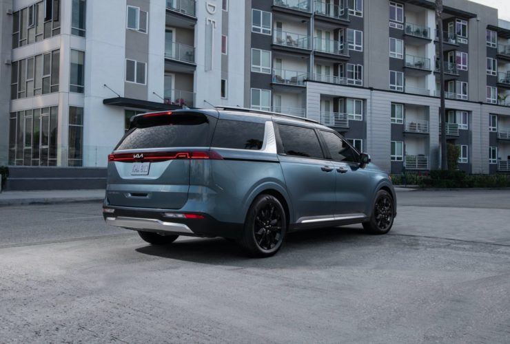 2022-kia-carnival-driven,-amg-glb35-tested,-2024-gmc-hummer-ev-suv-unpacked:-what's-new-@-the-car-connection