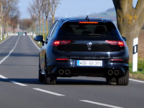 vw-golf-r-goes-for-a-top-speed-run,-hits-172-mph-on-the-autobahn