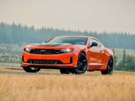 2022-chevrolet-camaro-turbo-4-and-v-6-lose-1le-package-to-focus-on-v-8