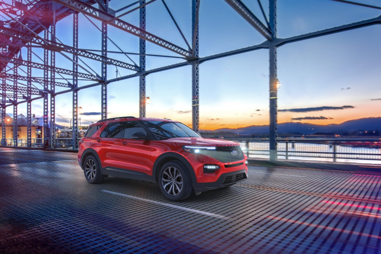 2021-ford-explorer-offers-less-expensive-st-and-platinum-variants