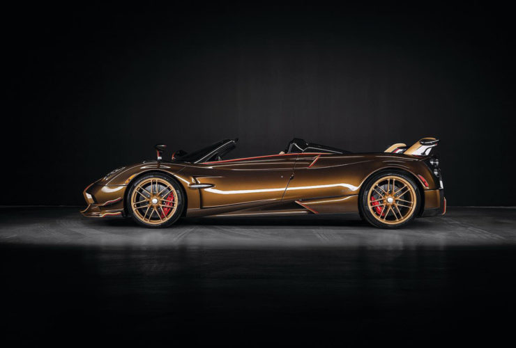 stunning-example-of-pagani-huayra-roadster-bc-lands-in-canada