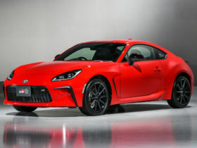 2022-toyota-gr-86-first-look-review:-sports-car-spirit