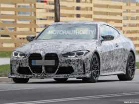 2023-bmw-m4-cs-spy-shots:-hardcore-m4-coupe-in-the-works
