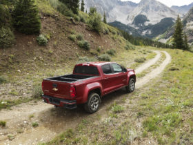 2015-chevy-colorado-and-gmc-canyon-recalled-again-for-power-steering-issue