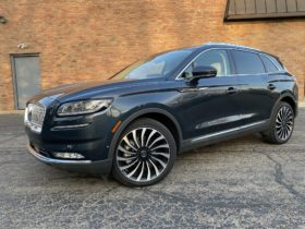 review-update:-2021-lincoln-nautilus-crossover-suv-comes-around-to-luxury