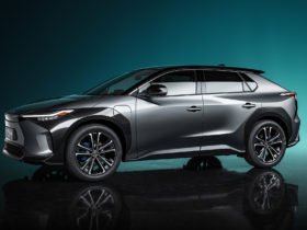 toyota-bz4x-electric-crossover-concept-introduces-bz-sub-brand,-previews-production-model-due-in-2022
