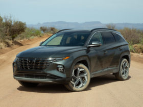 first-drive:-2022-hyundai-tucson-adds-electricity-to-its-looks-and-powertrain
