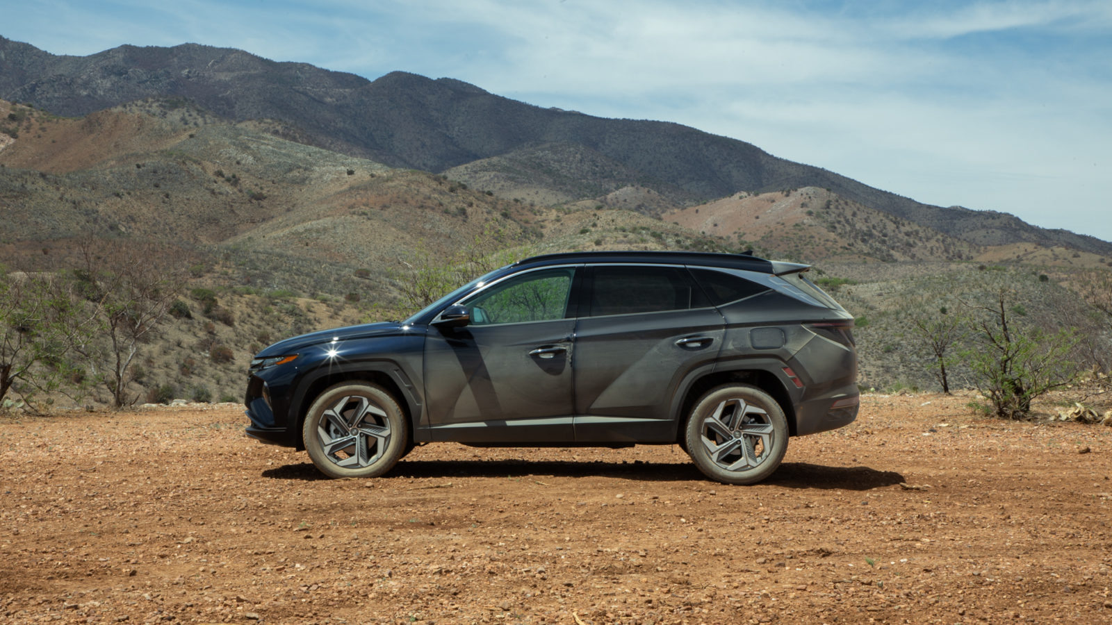 2022-hyundai-tucson-and-hybrid-tested,-hongqi-s9-hypercar-debuts:-what's-new-@-the-car-connection