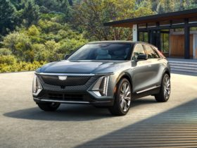 preview:-2023-cadillac-lyriq-starts-brand's-electric-slide-from-$59,990