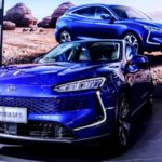 huawei-unveils-its-first-car:-the-2021-seres-sf5