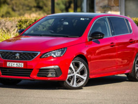 peugeot-308-to-go-back-to-analogue-gauges-due-to-chip-shortage-–-report