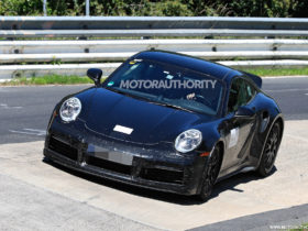 2022-porsche-911-sport-classic-spy-shots-and-video:-legend-of-the-carrera-rs-2.7-lives-on