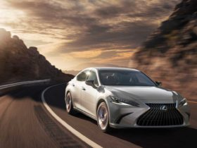 2022-lexus-es-upgrades-standard-features,-adds-touchscreen