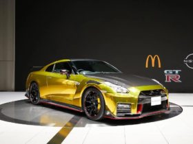 nissan-dedicated-a-version-of-the-gt-r-nismo-supercar-to-mcdonald's