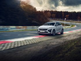2022-hyundai-kona-n-brings-hot-hatch-attitude-to-the-compact-crossover