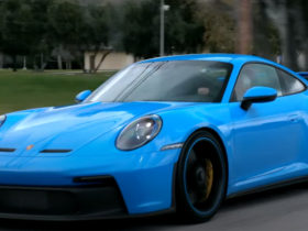jay-leno-won-over-by-the-all-new-2022-porsche-911-gt3