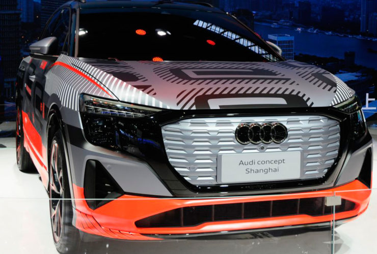 audi-introduced-the-electric-crossover-audi-q6-e-tron