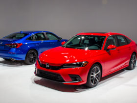 """redesigned-2022-honda-civic-appeals-to-its-base-with-""""something""""-more"""