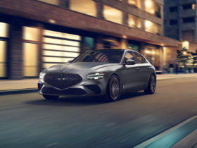 preview:-2022-genesis-g70-adopts-new-look,-$38,570-price-tag