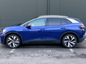 first-drive:-2021-volkswagen-id.4-plays-catchup-to-ford-mustang-mach-e,-tesla-model-y