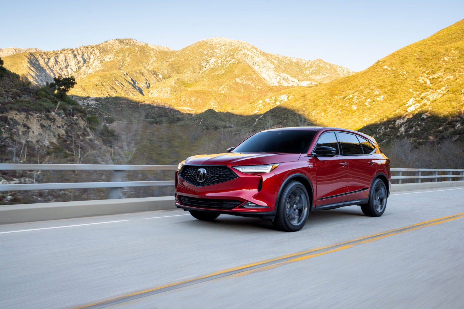 2022-acura-mdx-earns-highest-safety-honors