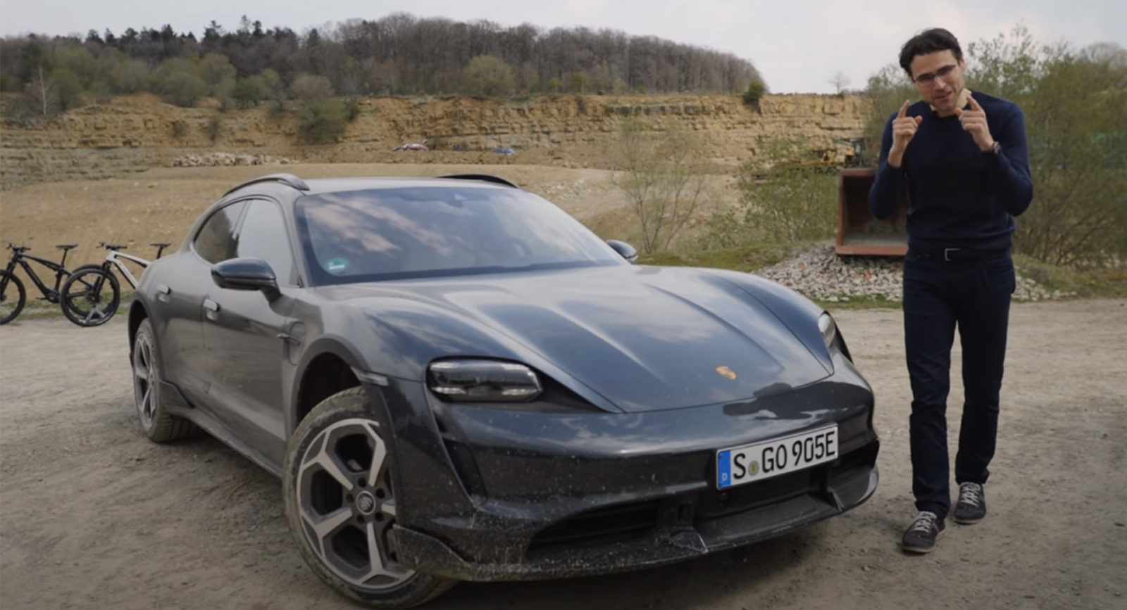 can-you-actually-go-off-roading-in-the-porsche-taycan-turbo-s-cross-turismo?