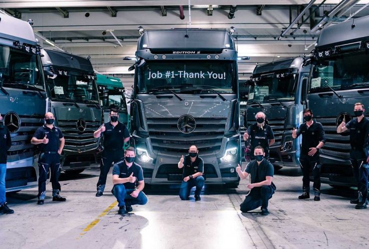 mercedes-benz-has-started-deliveries-of-the-premium-actros-edition-2-truck