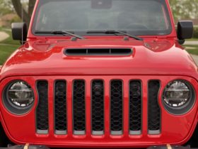 first-drive:-2021-jeep-wrangler-rubicon-392-proves-just-how-fun-nonsense-can-be