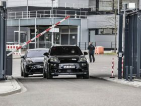 all-electric-porsche-macan-begins-real-world-testing,-launch-in-2023