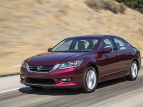 honda-accord-steering-investigated,-2021-lexus-is-driven,-silverado-ev-targets-fleets:-what's-new-@-the-car-connection