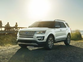 ford-recalls-more-than-650,000-explorers-for-faulty-roof-rail-covers
