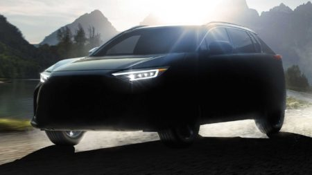 subaru-solterra-electric-crossover-headed-to-showrooms-in-2022