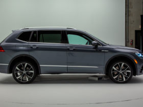 2022-volkswagen-tiguan-freshens-up-with-new-styling,-technology,-and-touch-controls
