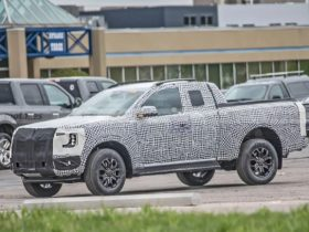 the-first-images-of-the-2023-ford-ranger-wildtrak-in-the-super-cab-version-appeared-on-the-web