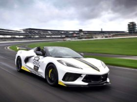2021-chevrolet-corvette-convertible-is-the-2021-indianapolis-500-pace-car
