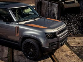 the-tuner-decorated-the-new-land-rover-defender-with-rust