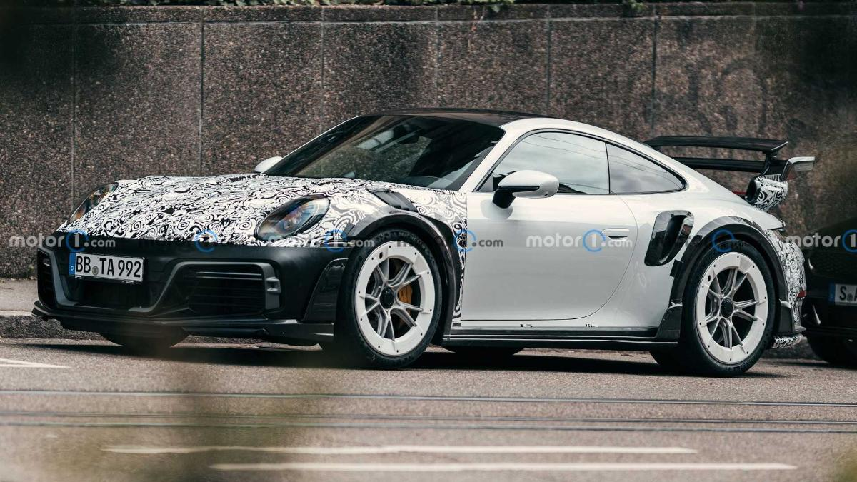 pictures-of-the-powerful-techart-gtstreet-r-porsche-911-appeared-on-the-web