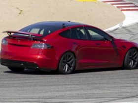 2022-tesla-model-s-plaid+-spied-at-laguna-seca-with-retractable-rear-wing-and-active-aerodynamics