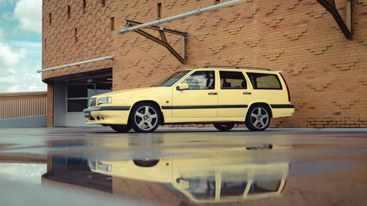 rare-volvo-station-wagon-in-corporate-color-up-for-auction