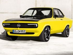 opel-manta-gse-elektromod:-1970s-coupe-restored-with-electric-power-and-a-manual-gearbox